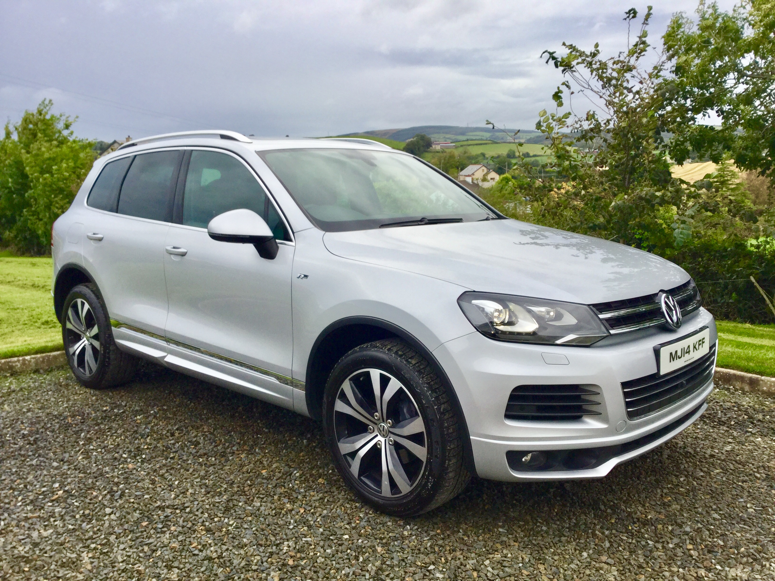 Previous Next 2017 Volkswagen Touareg R Line